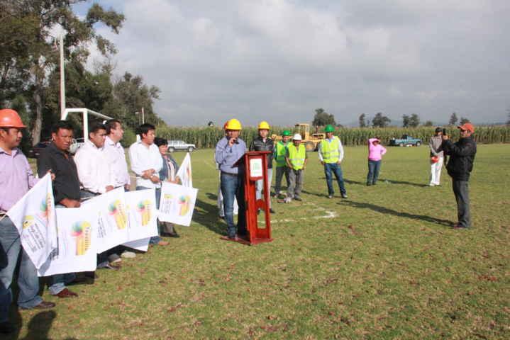 Alcalde de Tepetitla invertirá un millón de pesos en rehabilitación de unidad deportiva de San Mateo