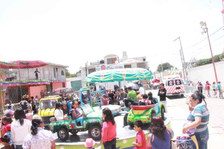 Niños y Mamás son festejados por el Ayuntamiento