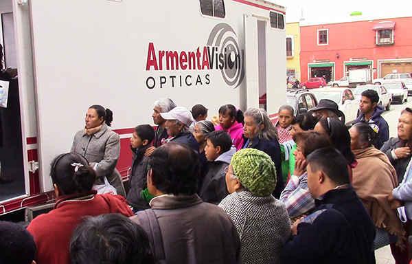 Realiza Ayuntamiento de Huamantla donación de lentes oftálmicos