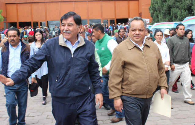 Entregan en Huamantla apoyos a productores del campo