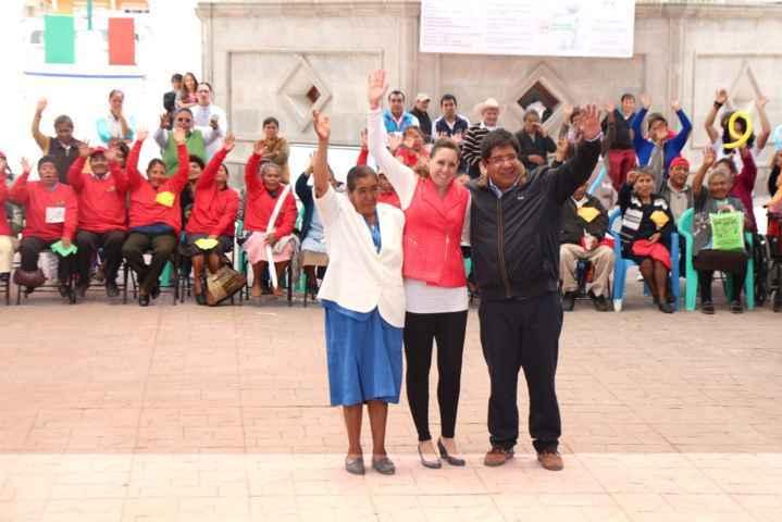 Realizan adultos mayores de Contla actividades recreativas organizadas por el DIF  y SMDIF