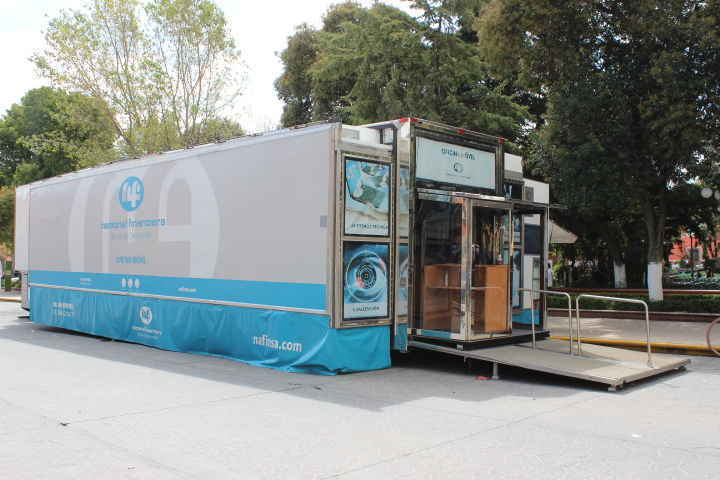 Llega a Huamantla tráiler móvil de NAFINSA para apoyar a micro empresas