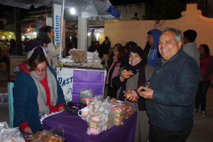 """Dan inicio los tradicionales """"Viernes de Muéganos"""" en Huamantla"""
