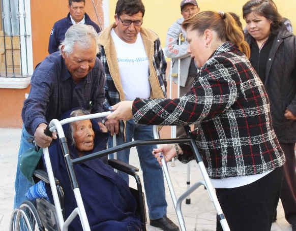 Beneficia SMDIF Huamantla a personas discapacitadas