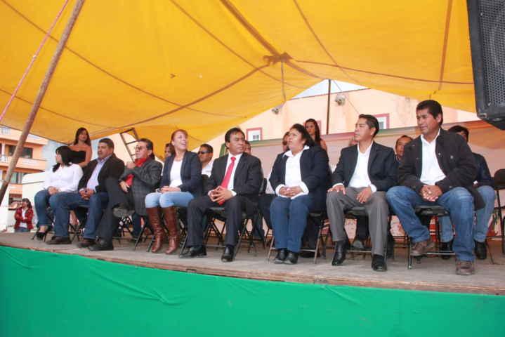 "Espectacular desfile inaugura la feria ""Xaloztoc 2015"""