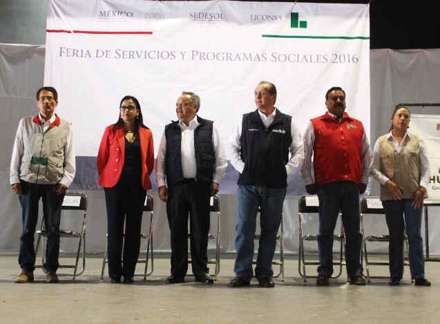 Inauguran Alcalde y Delegados Federales Feria de Servicios 2016 en Huamantla
