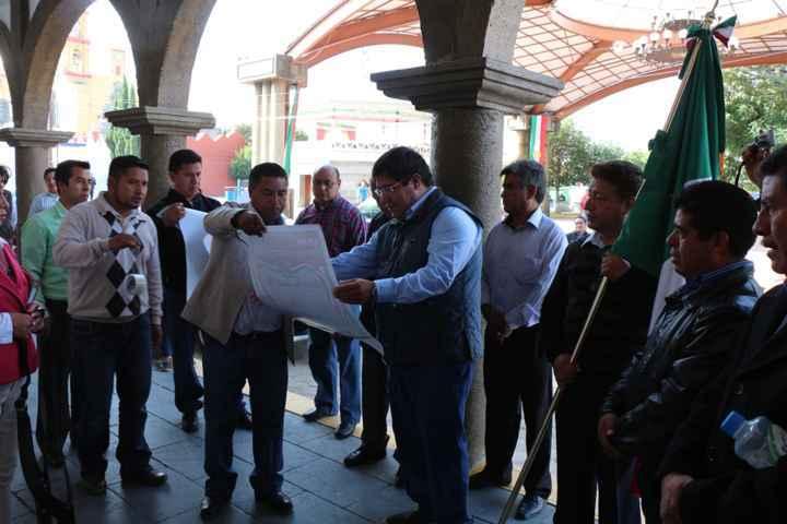 Autoridades de Contla realizan la fijación del Bando Solemne