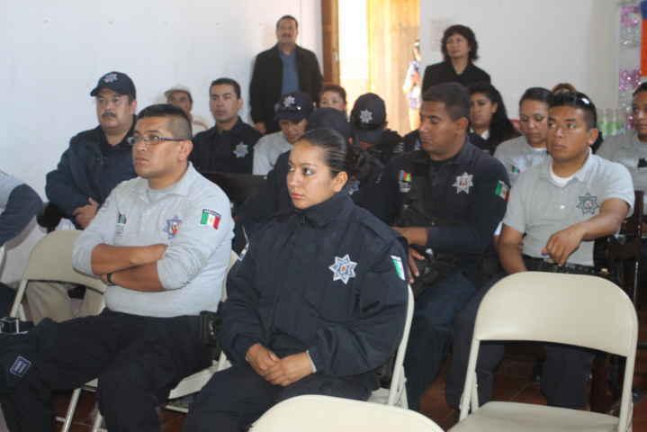 Detiene Policía Municipal de Tetla a dos personas por portación de arma de fuego
