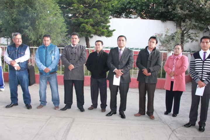 Alcalde de Tepetitla benefició a primaria de Villa Alta