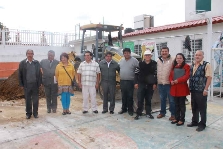 Inician la construcción de la techumbre de la primaria de Tetlatlahuca