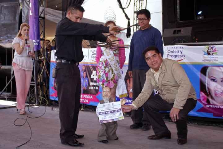 """Niños felices con las marionetas de Foro Infantil en """"Feria  Calpulalpan 2016"""""""