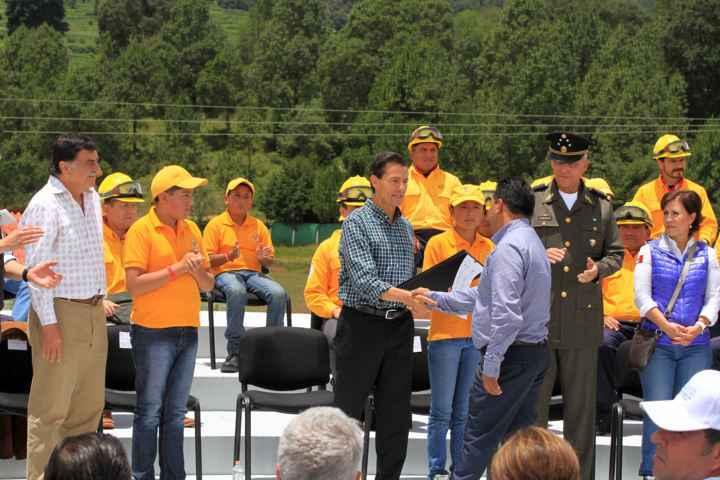 La unión construye un país más próspero, coinciden EPN y MGZ
