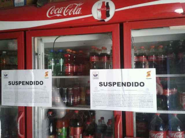"""Clausura tiendas por venta de alcohol, menos la de su """"novia"""""""