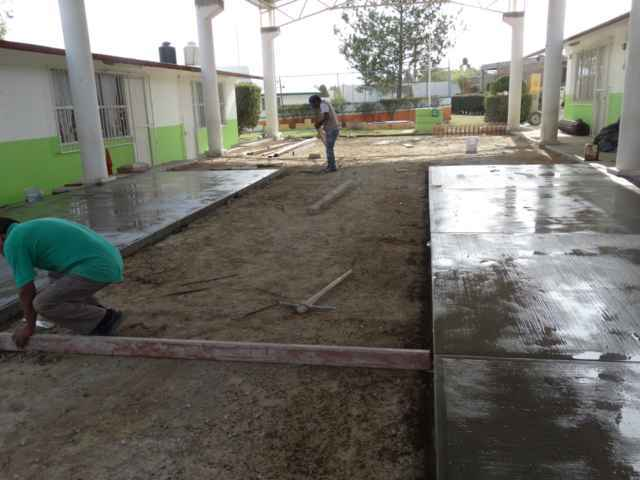 Ayto. rehabilita explanada de jardín de niños Juana de Arco