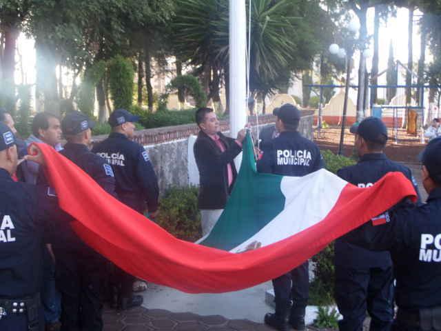 Dan inicio festividades por el mes patrio en Tetla
