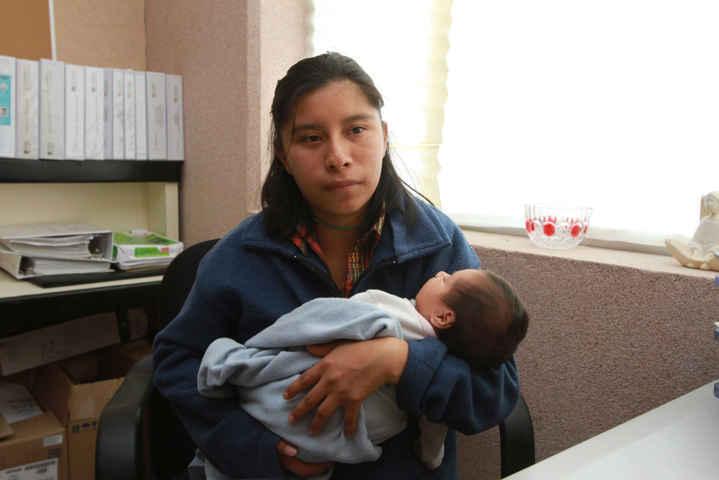 Ofrece Hospital de la Mujer seguimiento a embarazos