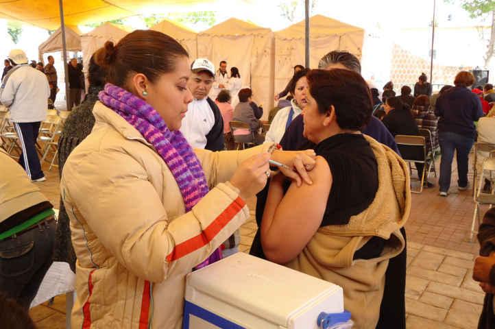 Refuerza SESA vacunación contra influenza por temporada invernal