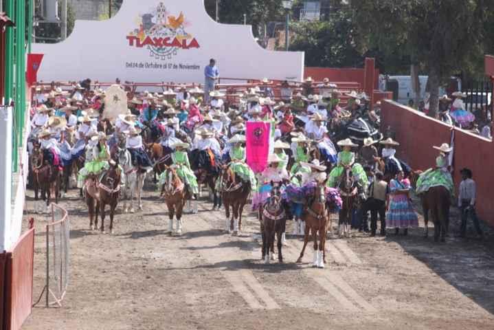 Tlaxcallán invita a su XI feria de escaramuzas