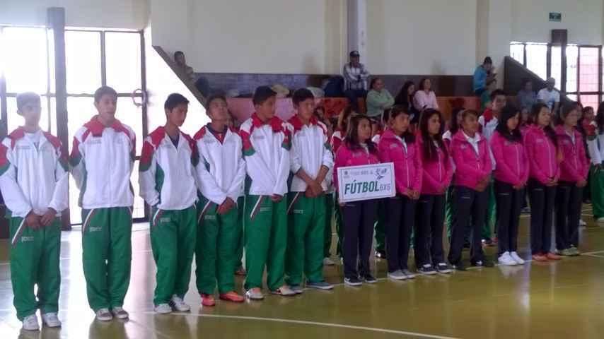 Abanderan a la delegación tlaxcalteca que participará en los Juegos Nacionales Populares 2015