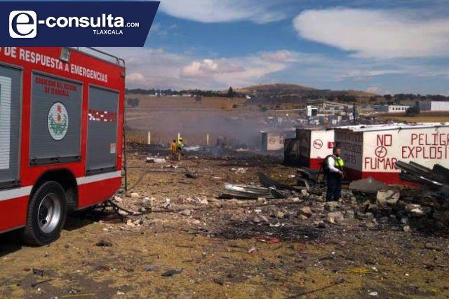El heroico cuerpo de Bomberos y Policía Municipal controlan incendio de pirotecnia