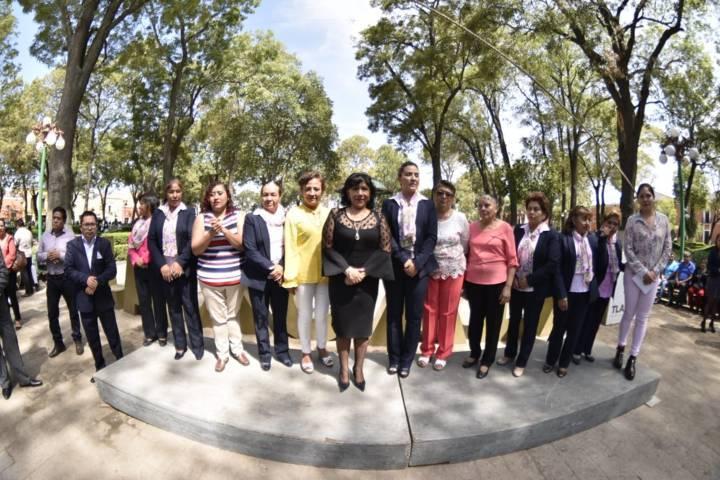 Clausura alcaldesa Anabell Ávalos talleres y expo-venta del SMDIF