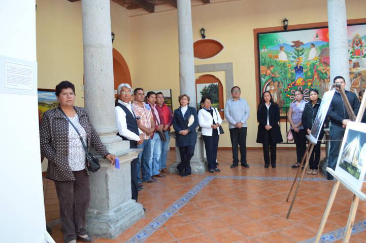 Presidenta honorifica del SMDIF inaugura exposición fotográfica