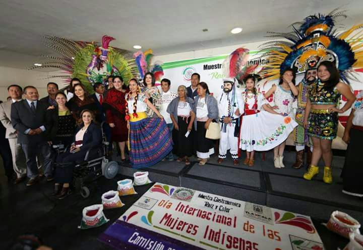 Participa Municipio de Tlaxcala en muestra gastronómica en el Senado de la República