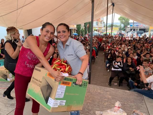 Diputada festeja en grande a mamás de Tlaxco, Tetla y Atlangatepec