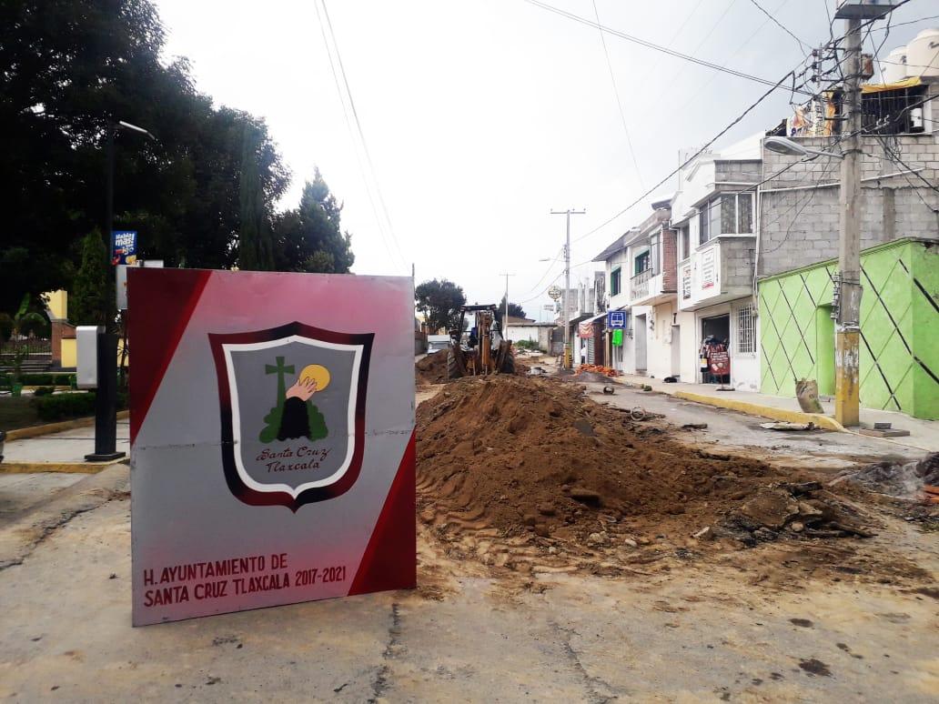 Obras de ampliación en la red de drenaje sanitario avanzan en Santa Cruz Tlaxcala y Comunidades