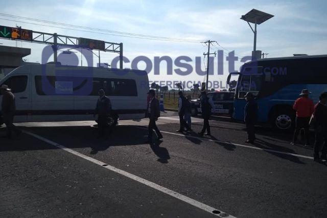 Operadores de transporte turístico vuelven a manifestarse en Cuapiaxtla