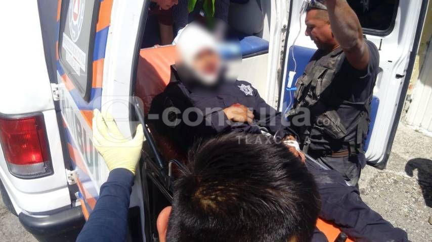 Comando armado rescata a su cómplice y hieren de bala a un policía en Tizatlan
