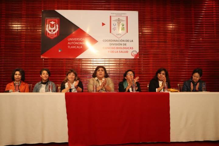 Se escucharon en la UATx las voces femeninas de la Ciencia