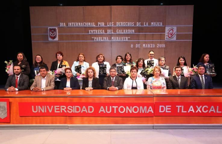"Entrega la UAT galardón ""Paulina Maraver"" a universitarias destacadas"