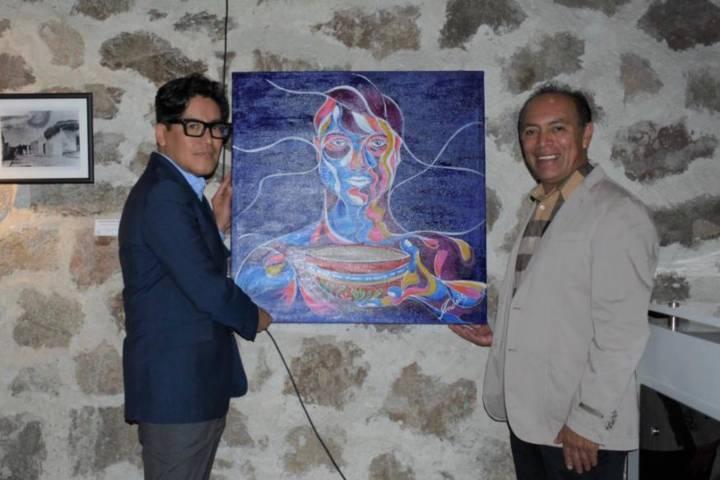 Andrés Caballero dono una obra de arte a la Galería Domingo Arenas