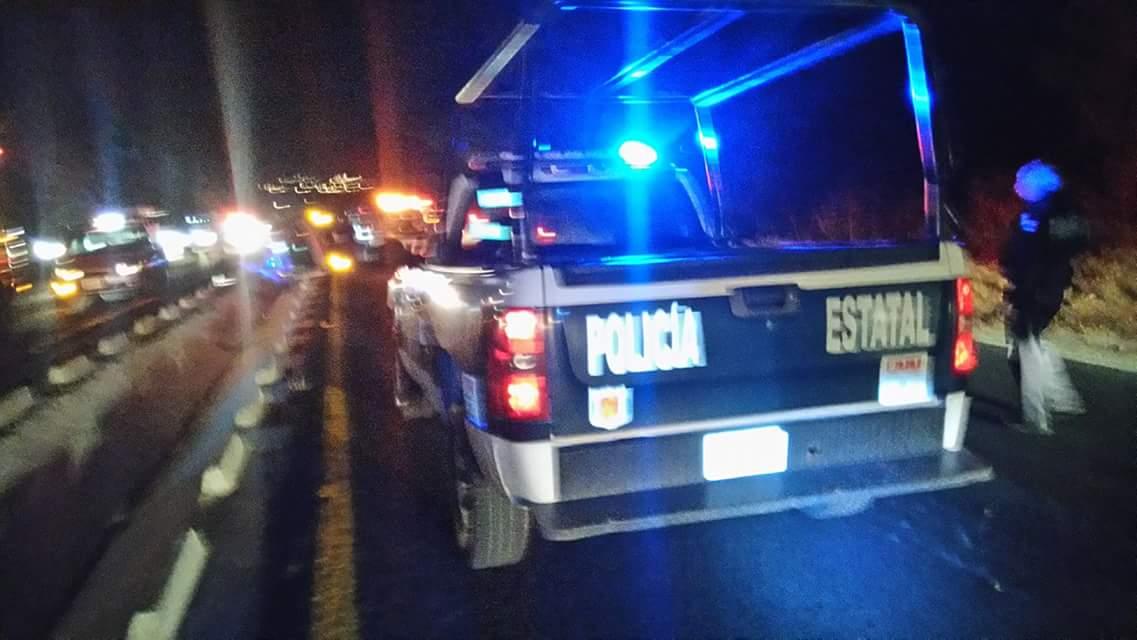 Vuelca ambulancia sobre la Tlaxcala-Apizaco