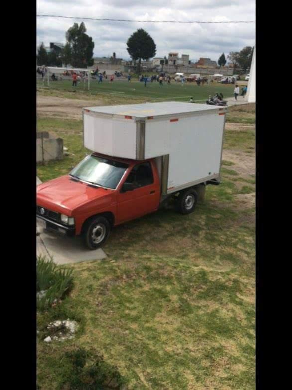 Denuncias robo de camioneta en el parque de Apizaco