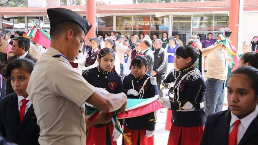 Realizan abanderamiento escolar en Escuela Secundaria Crisanto Cuéllar