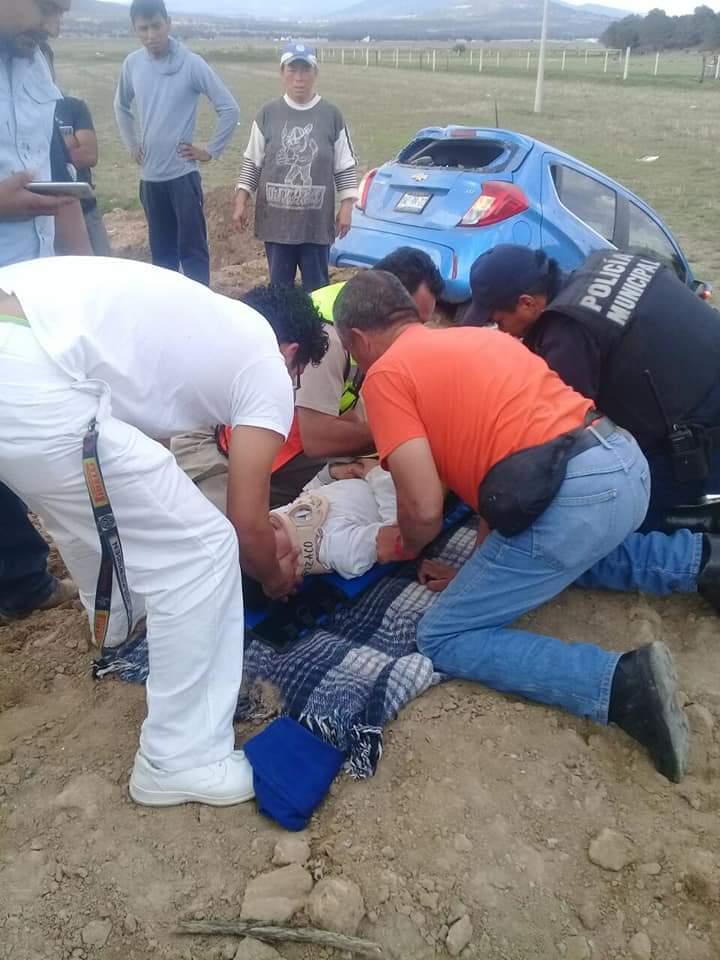 Accidente sobre la carretera Apizaco- Tlaxco deja tres lesionados