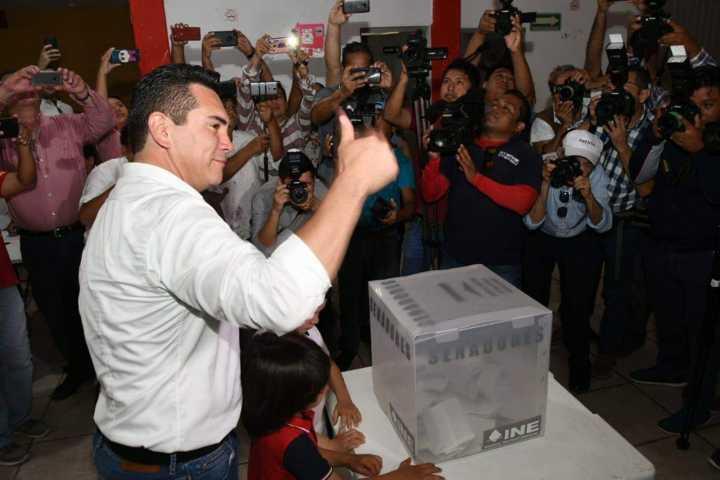 Acarreo masivo impone a Alito en la dirigencia del PRI