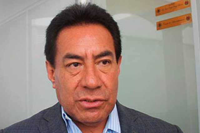Báez y Tongolele reparten morralla a diputados locales