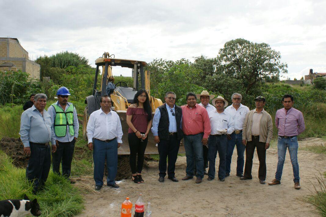 Arranque de obras en comunidades de Contla