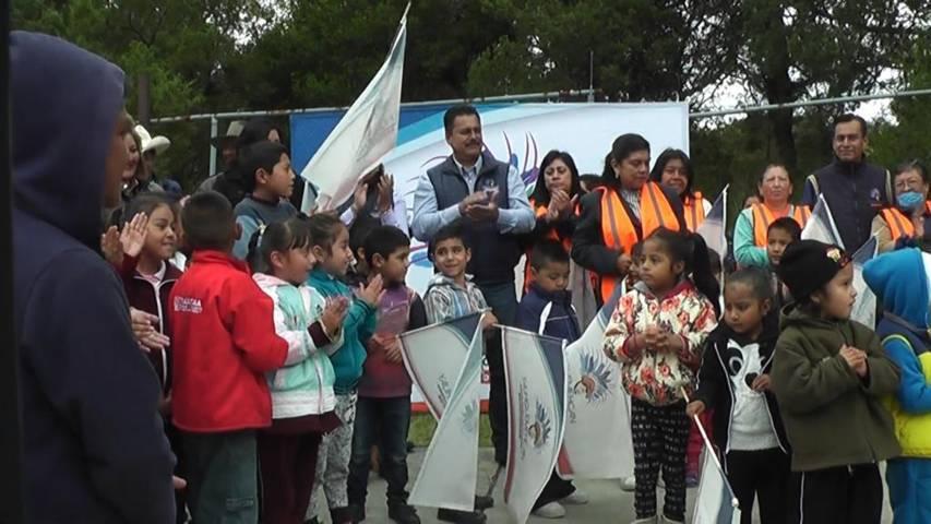 Alcalde pone en marcha construcción de techumbre el barrio de Tepoxtla