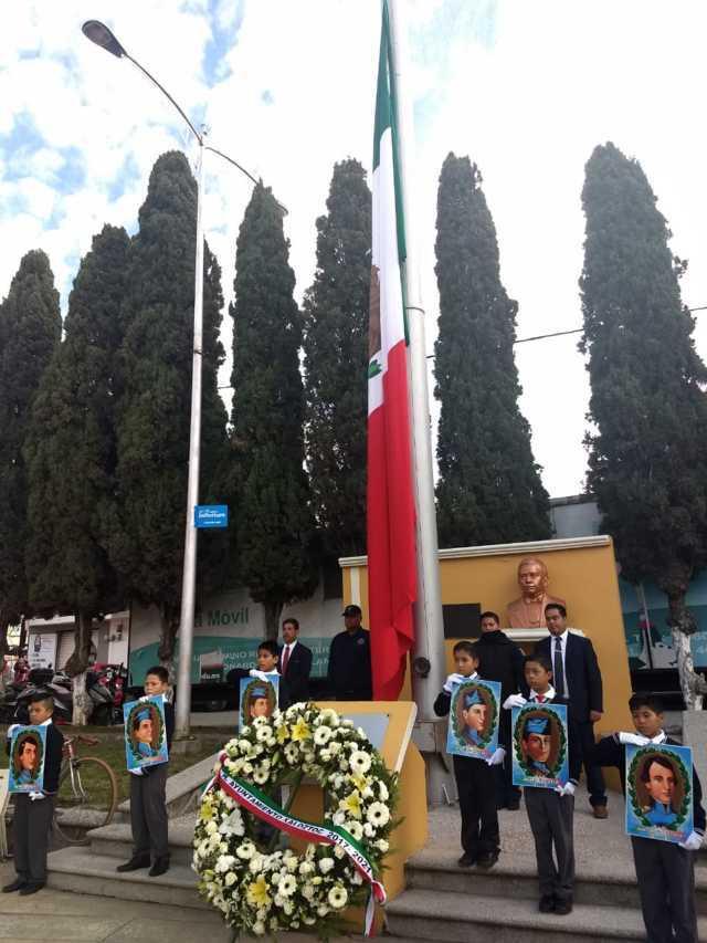 Alcalde encabezo Gesta Heroica e Izamiento de Bandera monumental