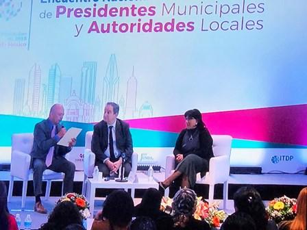 """Participa Ávalos en panel """"Desafío de las Ciudades, presente y futuro"""""""