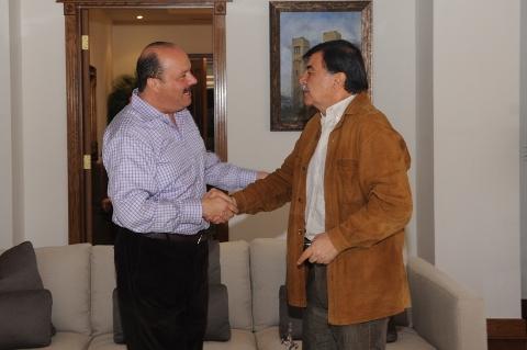 Funcionario de la USET compara a MGZ con el prófugo Cesar Duarte