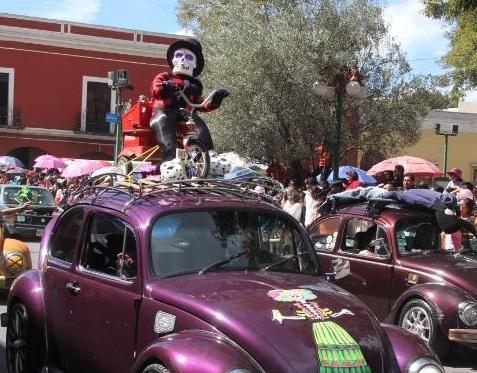 Más de 10 mil asistentes presenciaron el desfile de la Feria