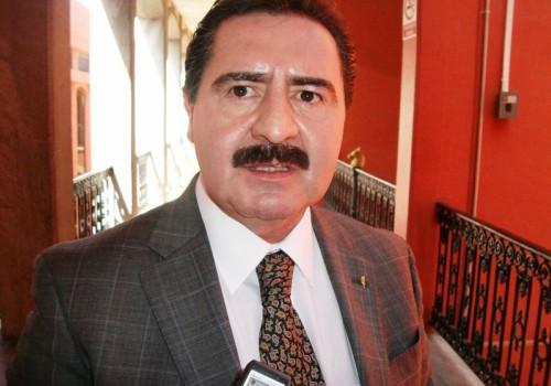 Ex magistrado pide a juez que destituya a diputados