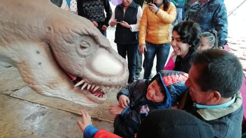 """Festejan comunidades de la capital el """"Día de Reyes"""""""