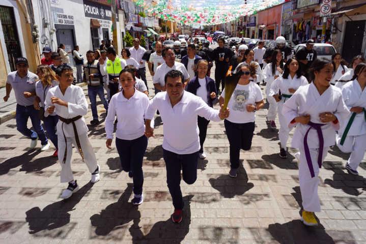 Realiza gobierno municipal de Calpulalpan exitosos festejos patrios