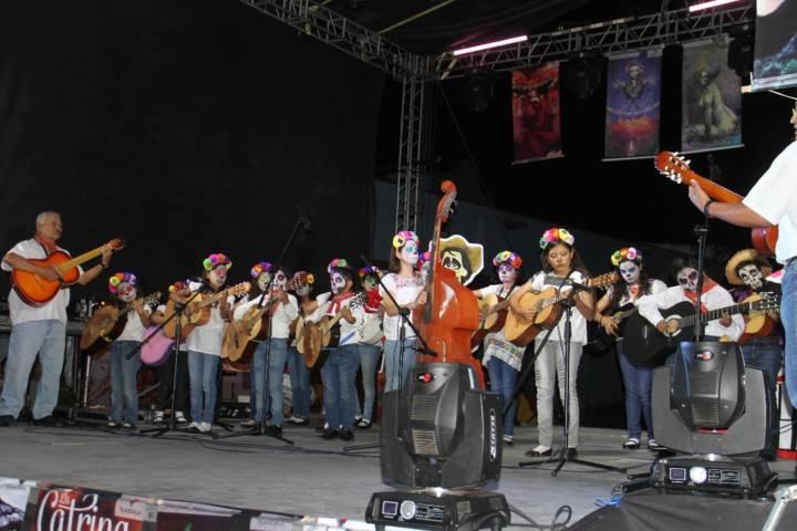 Inauguran el V Festival de la Muerte en la capital